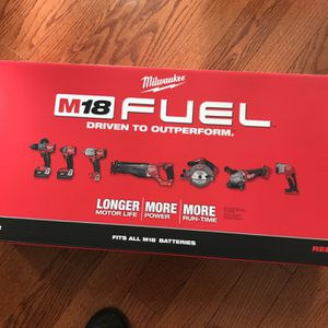 Milwaukee M18FUEL 7- Tool Combo Kit 2997-27 for Sale in Bolingbrook, IL