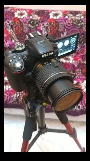 Nikon D5300 DSLR Full Camera Kit (LOTS OF EXTRAS!) for Sale in New York, NY