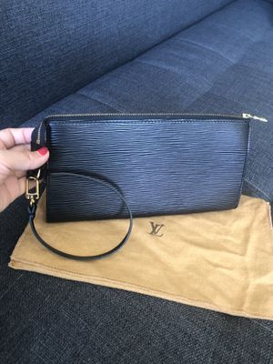 Authentic Louis Vuitton wristlet bag epi for Sale in Redwood City, CA