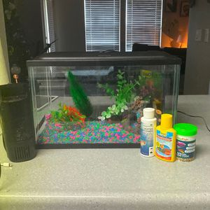 Fish Tank And Supplies for Sale in Damascus, OR