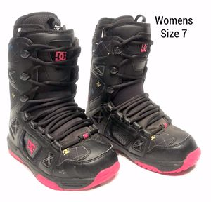 Womens DC Snow Boots (Size 7) for Sale in Tigard, OR