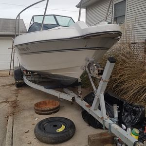 Marathon 2200sf boat w/trailer for Sale in Fairview Park, OH