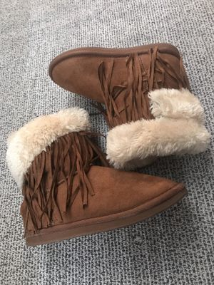 Girl's boots size 3 for Sale in El Monte, CA