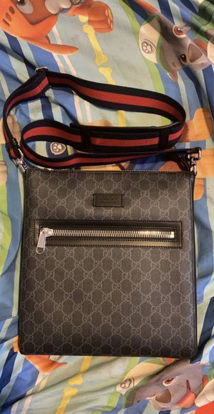 Gucci GG Supreme Messenger Bag for Sale in Columbia, SC