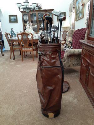 Vintage Wilson golf bag/Walter Hagen clubs for Sale in Chino Hills, CA