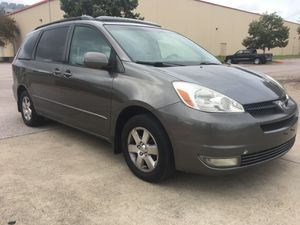 FINANCING - 2004 TOYOTA SIENNA - LEATHER for Sale in Austin, TX