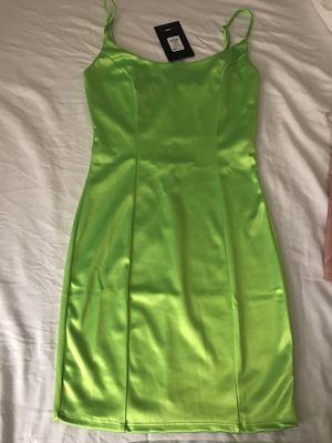 FASHION NOVA DRESS NEON GREEN $20 price is firm! SIZE SMALL Stretch Brand New for Sale in Riverside, CA