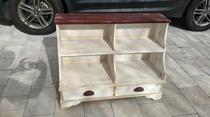 Decorative aged look floor shelf. for Sale in Deerfield Beach, FL