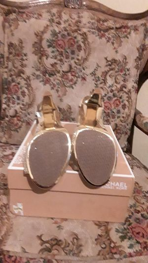 Brand new michael kors sandals for Sale in Bakersfield, CA