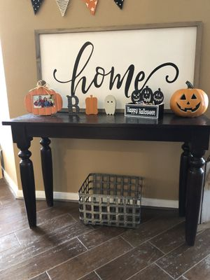 World Market Entry Table for Sale in Pearland, TX