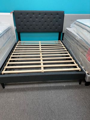 Queen bed frame gray for Sale in Houston, TX