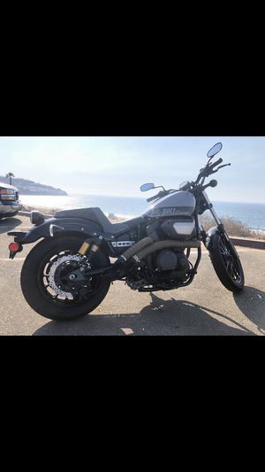 YAMAHA BOLT MOTORCYCLE 2018 GREAT CONDITION for Sale in Torrance, CA