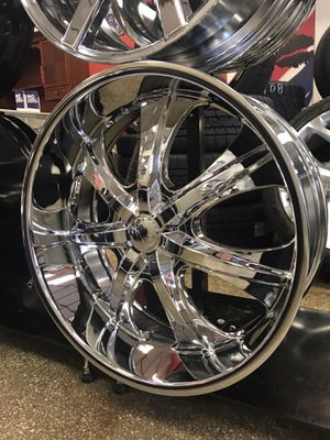 "24"" new chrome wheels rims and tires. Set of 4. Big lip. 5 lug old school 5x115 5x120 5x127 5x5 5x135 for Sale in Chicago, IL"