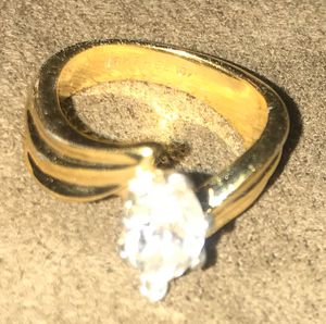 14k gold plated women's ring for Sale in Clarksville, TN