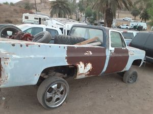 1979 c10 parts. Ls swap it or keep 350 motor and trans for Sale in Perris, CA