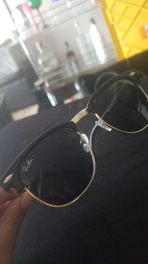 Beautiful sunglasses for man for Sale in Palmdale, CA