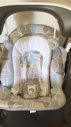 Fisher-Price Deluxe Take-Along Swing & Seat for Sale in Fresno,  CA