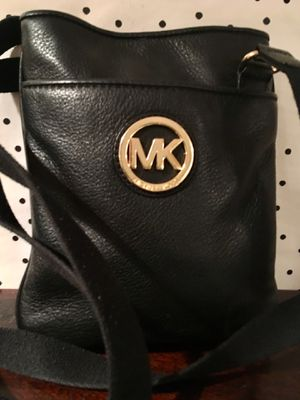 Michael kors black leather crossbody bag purse for Sale in Seattle, WA