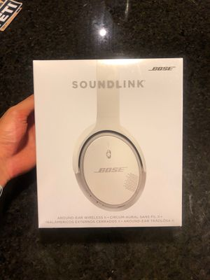 BOSE Soundlink Around-ear Wireless Headphones II for Sale in Columbia, MO