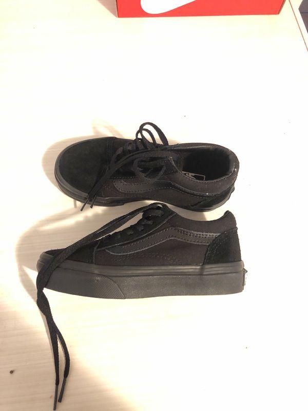 Vans Boys size 11 Black on Black