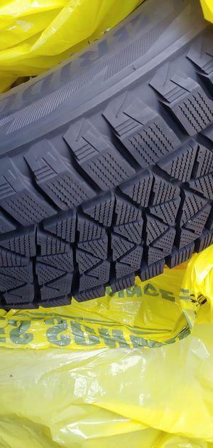 Bridgestone Blizzak 235 60 r 18 for Sale in Bellevue, WA