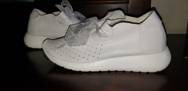 7f5c99cec6 SHEIN White Babydoll Sneakers/Skippies for Sale in Pembroke Park, FL ...