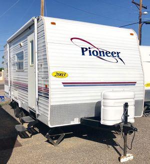 03 Pioneer 18ft Trailer Camper Lite for Sale in Mesa, AZ