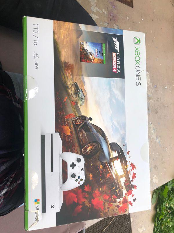 Xbox one s forza horizon 4 bundle (unopened)