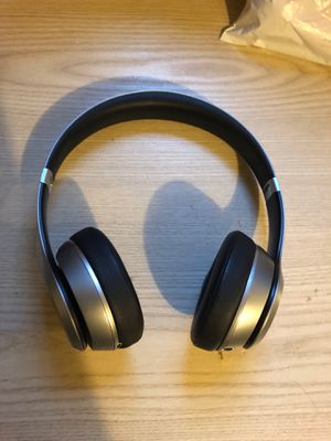 Beats solo 2 wireless special edition for Sale in Hudson, FL