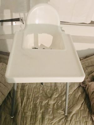 GREAT high chair... easy to clean, sturdy, easy to travel with... for Sale in Union City, CA