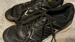 Mizuno Women's Cyclone Speed, 9 shoes size, sell for 45$ for Sale in Lexington, SC