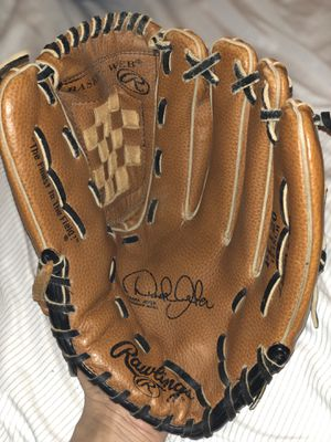 Derek Jeter Autographed Baseball Glove for Sale in Vista, CA