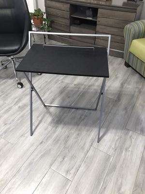 Black work desk for Sale in Hialeah, FL