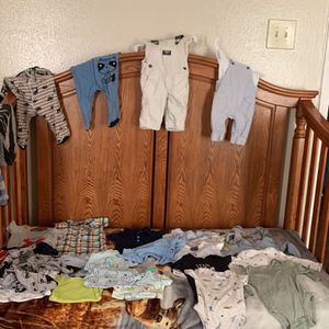 0-3 months old baby clothes for Sale in Dallas, TX
