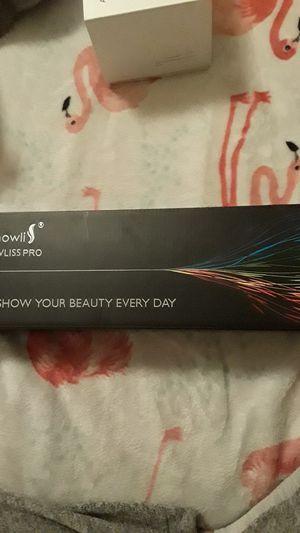 Showliss pro hair straightener for Sale in Kansas City, KS