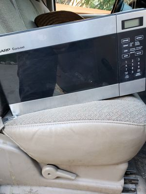 Sharp microwave for Sale in Los Angeles, CA