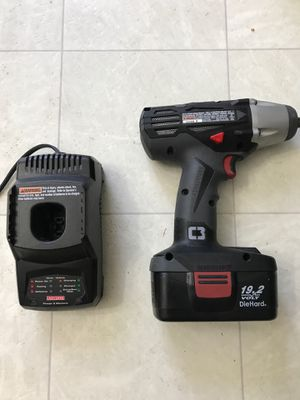 CS 1220 Craftsman 1/2 in Impact Wrench, 19.2 V Die Hard battery & charging station,model no. 315.116020 for Sale in Bakersfield, CA