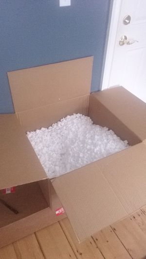 Free boxes and bubble wrap and packing material Salem Essex Street for Sale in Salem, MA