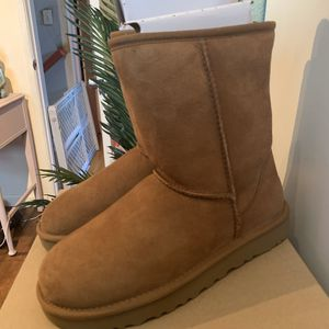 Classic Short UGGS for Sale in San Diego, CA