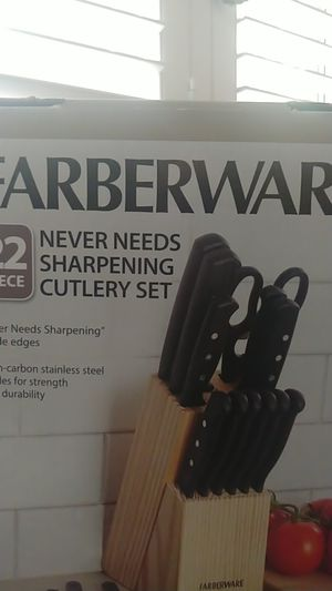 Farberware Kitchen Knife Set for Sale in Whittier, CA