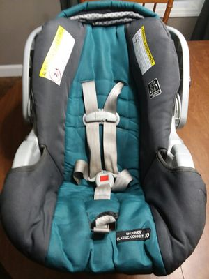Infant car seat for Sale in Milan, TN
