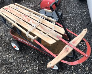Wagon and antique sled for Sale in Plano, IL