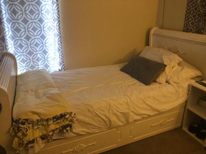White Twin Bed for Sale in Livermore, CA