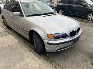 Bmw 04 200kmil for Sale in Philadelphia, PA