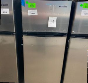 Thomson TFR725 Mini Fridge With Freezer 😃😃😃 ZOP for Sale in Houston, TX