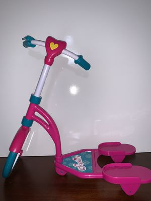 """18"""" doll scooter with helmet for Sale in Midland, TX"""
