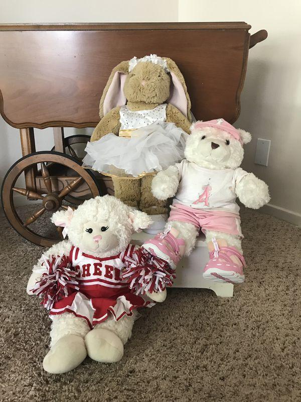 Build-A-Bear Bundle - over 100 items!