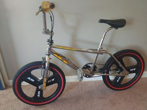 1996 Gt performer Freestyle mags bmx bike for Sale in Valley View, OH