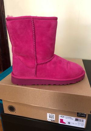Size 5 UGGs for Sale in Dedham, MA
