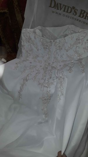 David bridal wedding dress for Sale in Euless, TX